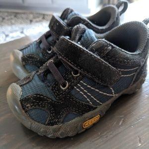 Women s Keen Shoes Boys on Poshmark 07e7358ec2
